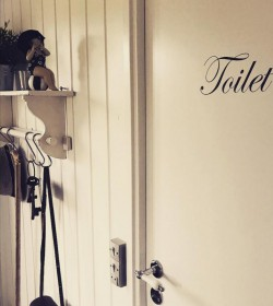 Wallsticker Toilet 6x16 cm.  - 1