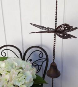 Mørk uro med sommerfugl og klokke L: 46 cm.  - 1