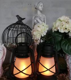 Sort stald lanterne i plast med LED H: 22 cm. pr. stk.  - 1