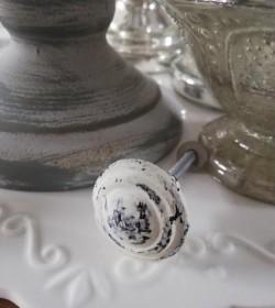 Møbelknop creme metal med patina Ø: 3 cm. - 2