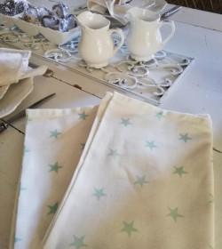 Hvide viskestykker med grønne stjerner 2 stk.  - 2