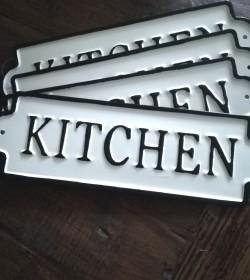 Skilt Kitchen 8x25,5 cm.