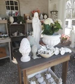 Stor madonnafigur i marmor
