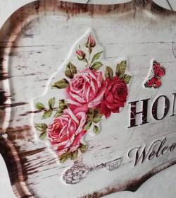 Stort skilt med roser og...