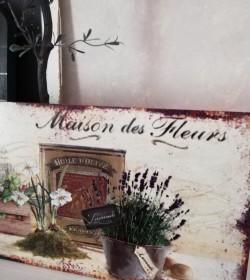Aflangt skilt Maison des...