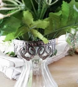 Glasvase med sølvdecor på...