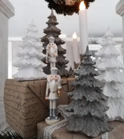 Stort hvidt glimmerjuletræ...