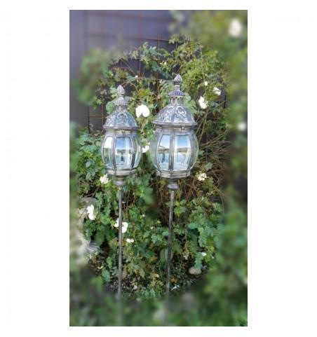 2 stk. høje lanterner på spyd H: 130 cm. pr. sæt - 2