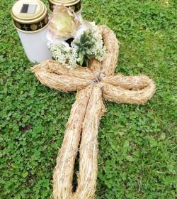 Stort kors i halm H: 41,5 cm.