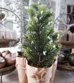 Kunstigt lille grantræ m/is...
