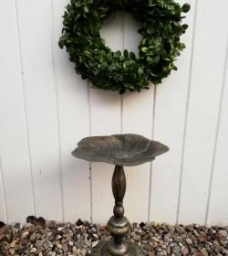 Lille fuglebad/opsats på fod i metal H: 34,5 cm.  - 4