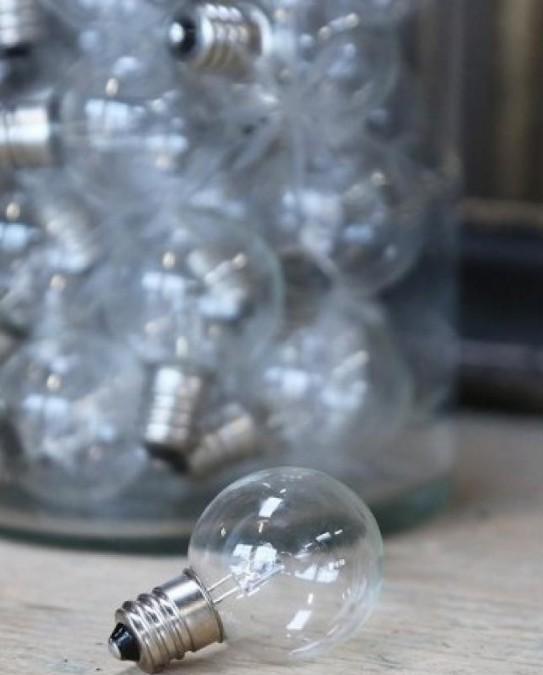 Hvid pære til stald lanterne E12 2900 Kelvin pr. stk.  - 1