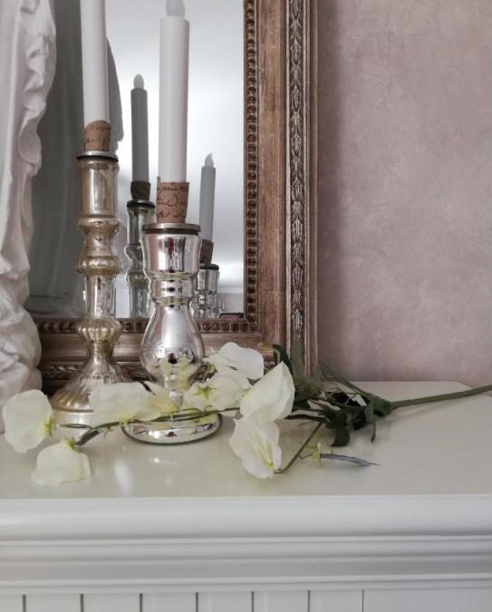 Kunstig ærteblomst hvid L: 70 cm. pr. stk.  - 1